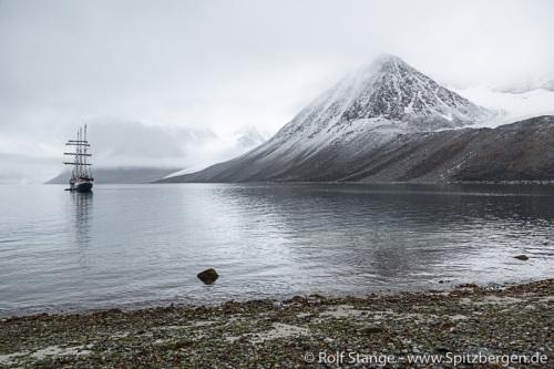 Bis in den Nordwesten Spitzbergens