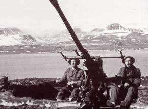 Norwegian artillery in Grønfjord