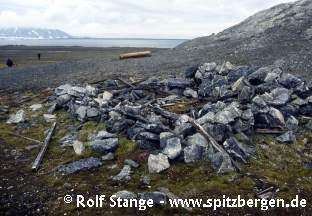 Kriegswetterstation Landvik in der Stormbukta, Spitzbergen
