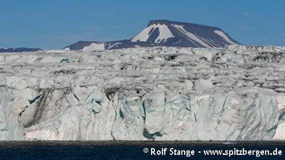 Calving glacier front in Brepollen (innermost Hornsund)