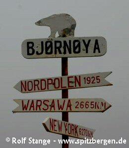 Signpost near the weather station Bjørnøya Radio at Herwighamna, Bear Island