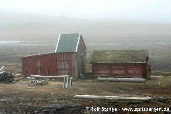 Hammerfesthuset, Herwighamna, Bjørnøya (Bear Island)
