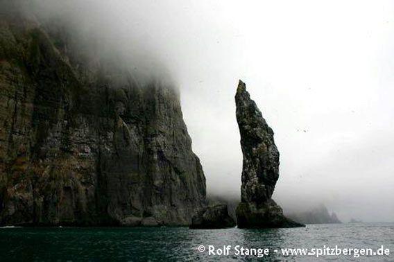 Sea stack Sylen, Bjørnøya (Bear Island)