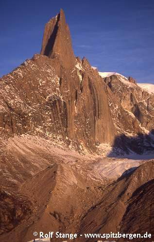 Geology of East Greenland: Grundtvigskirke