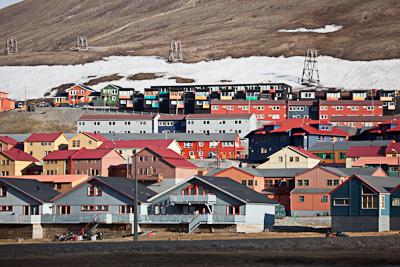 """Longyearbyen Lokalstyre elected -></noscript> Longyearbyen"""" title=""""Longyearbyen"""" width=""""400″ height=""""267″ class=""""size-full wp-image-8247″ /></p> </div> <p>Source: Longyearbyen Lokalstyre</p> </div> </div> </div> <div class="""