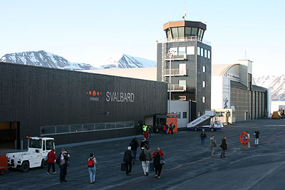 Libya and the north pole -> Longyearbyen airport&#8221; title=&#8221;Longyearbyen airport&#8221; width=&#8221;400&#8243; height=&#8221;267&#8243; class=&#8221;size-full wp-image-8802&#8243; /></p></div><p>Source: Svalbardposten Nr. 49 (2011)</p></div></div></div><div class=