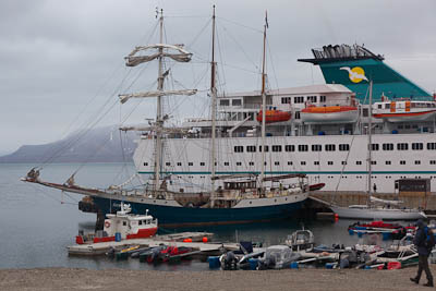 Compulsory pilotage in Spitsbergen - Cruise ship and sailing ship, Ny Alesund
