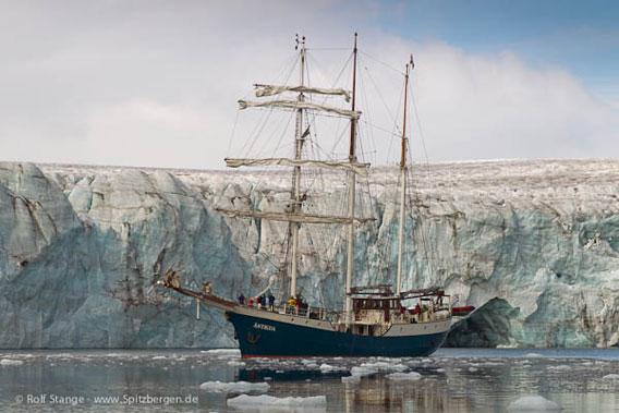 SV Antigua, Spitsbergen