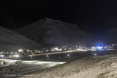 Dark nights and blue notes in Longyearbyen