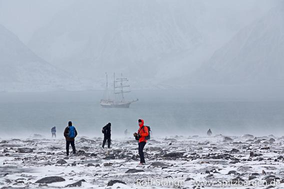 Wind und Schneetreiben, Krossfjord