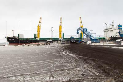 Kohleverladung, Hafen Longyearbyen
