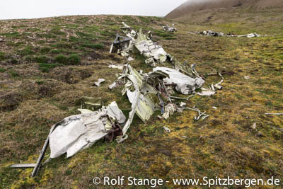 Airplane wreck from Second World War, Hiorthhamn (Adventfjord)