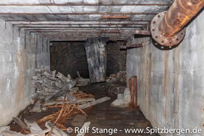 Mine entrance inBarentsburg width=