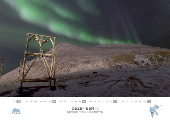 Spitsbergen-Calender 2018: December. Northern light above Longyearbyen