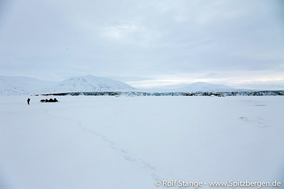 Snow mobile tour Mohnbukta, east coast of Spitsbergen