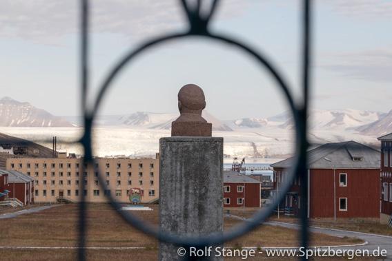 Lenin, Pyramiden