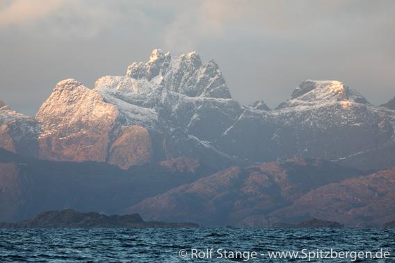 Lofotveggen: view of Lofoten