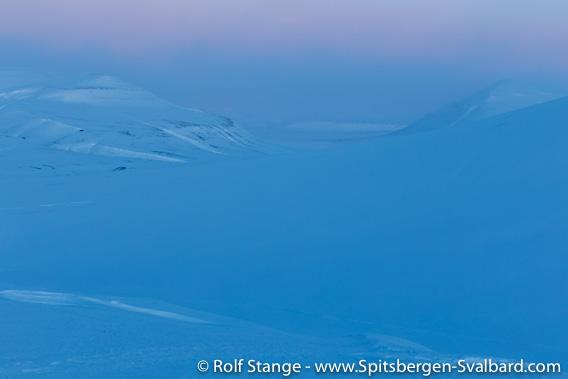 Eskerdalen, light of dawning polar day, mid February