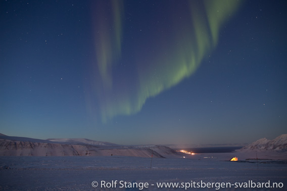 Polarnatt og nordlys i Adventdalen