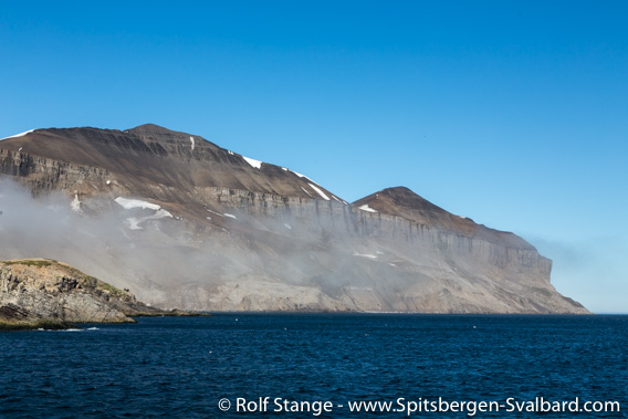 Miseryfjellet seen from the sea