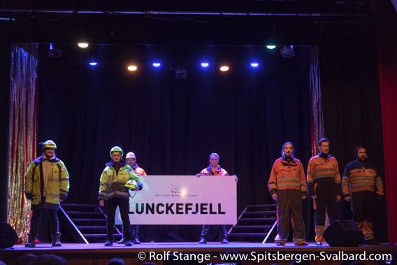 Lunckefjellet-sign, Spitsbergen Revue 2019, Longyearbyen