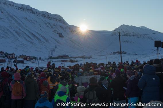 Sunrise during the solfest, Longyearbyen