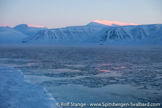 Ice, Adventfjord