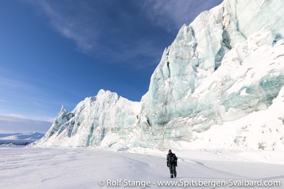 Glacier front of Hayesbreen, Mohnbukta