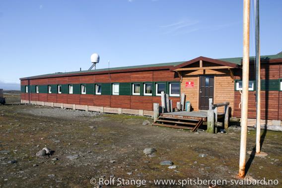 Den polske stasjonen i Isbjørnhamna, Hornsund