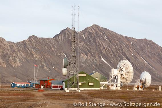 Frühere Radiostation Isfjord Radio bei Kapp Linné