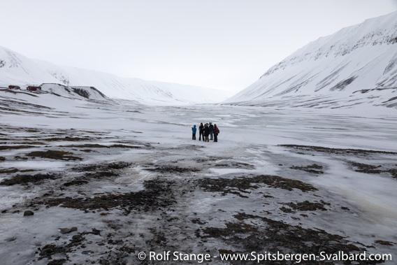 Snow melt in Bjørndalen