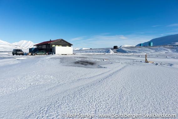 Skating rink Longyearbyen Camping