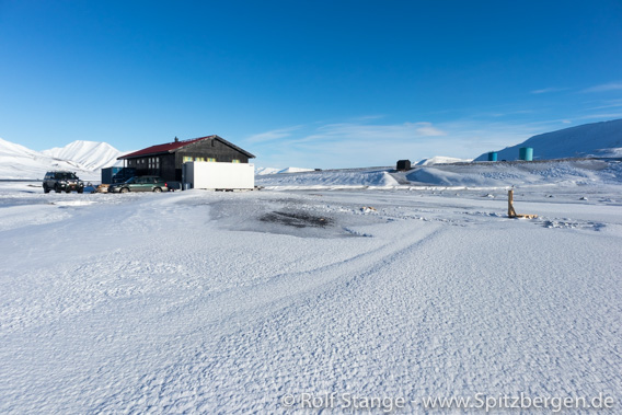 Eisbahn Campingplatz Longyearbyen
