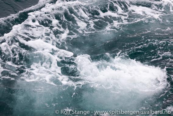 Sterke tidevannsstrømmer i Heleysundet