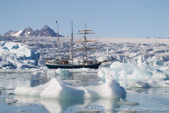 Segelschiff Antigua, Spitzbergen