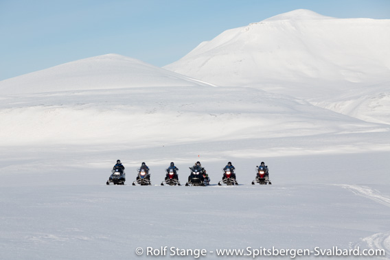 Tourists with guides: snow mobile group, Colesdalen