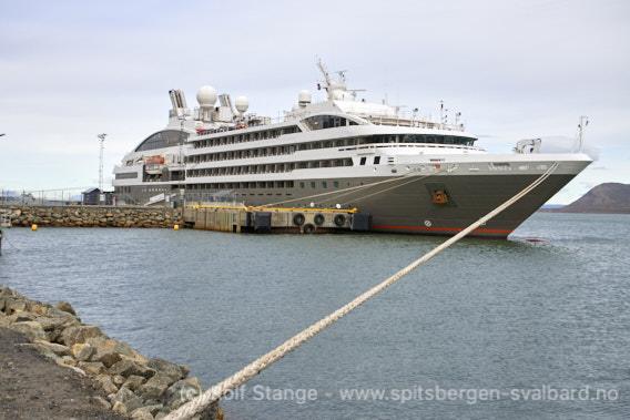 Ponant-skipet Le Boreal i Longyearbyen