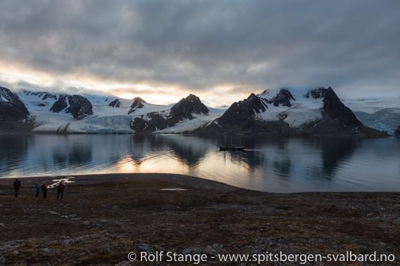 Kontraster landskap Raudfjorden