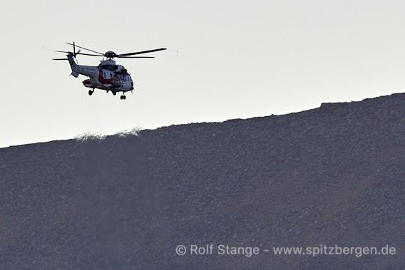 Eisbären bei Longyearbyen: Hubschrauber