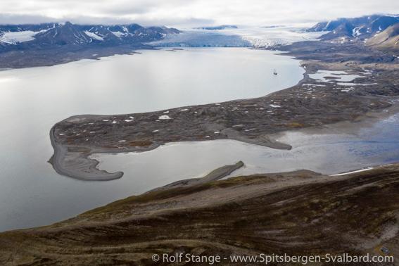 Isfjord landscape: Ymerbukta