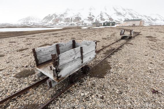 Brucebyen: railway track