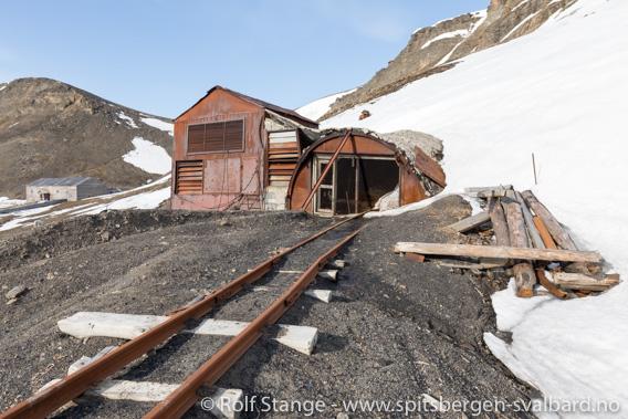 Gruveinngang, Barentsburg