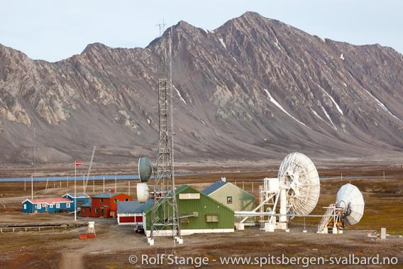 Kapp Linné: Isfjord Radio