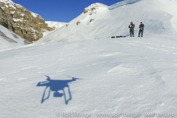 Nye regler for bruk av droner på Svalbard