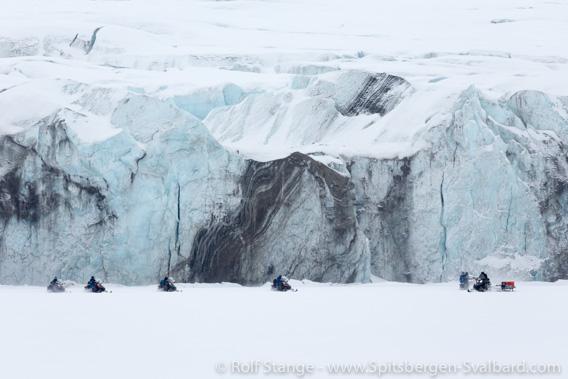 Corona, Spitzbergen: Tourismus