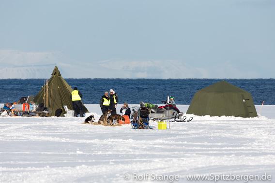 Trappers Trail: Hundeschlittenrennen des Longyearbyen Hundeklub