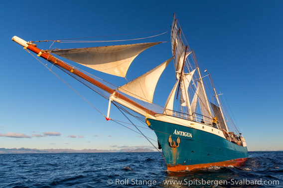Spitsbergen under sail in 2021 and corona